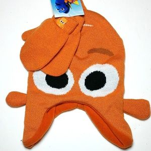Finding Dory Winter Hat & Gloves One Size Fits